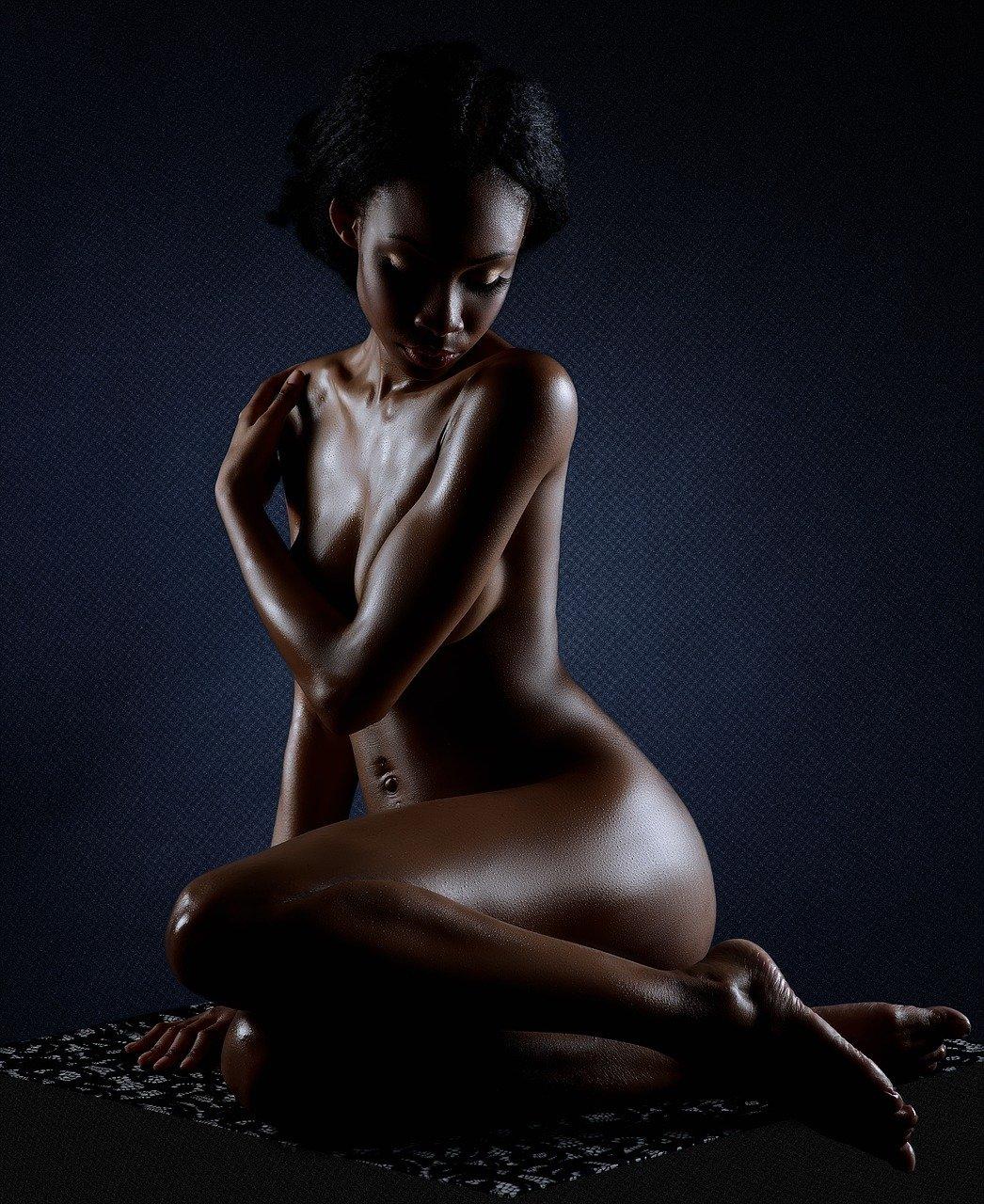 erotic 1581683108